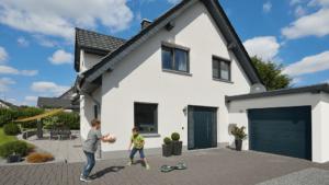 Sécurisation de la maison Porte d'entrée et Porte de garage à Annecy